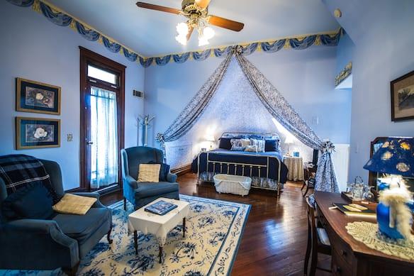 10 Royal Suite