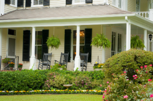A hot breakfast, afternoon wine and bikes are included with a stay at the Antebellum Inn.